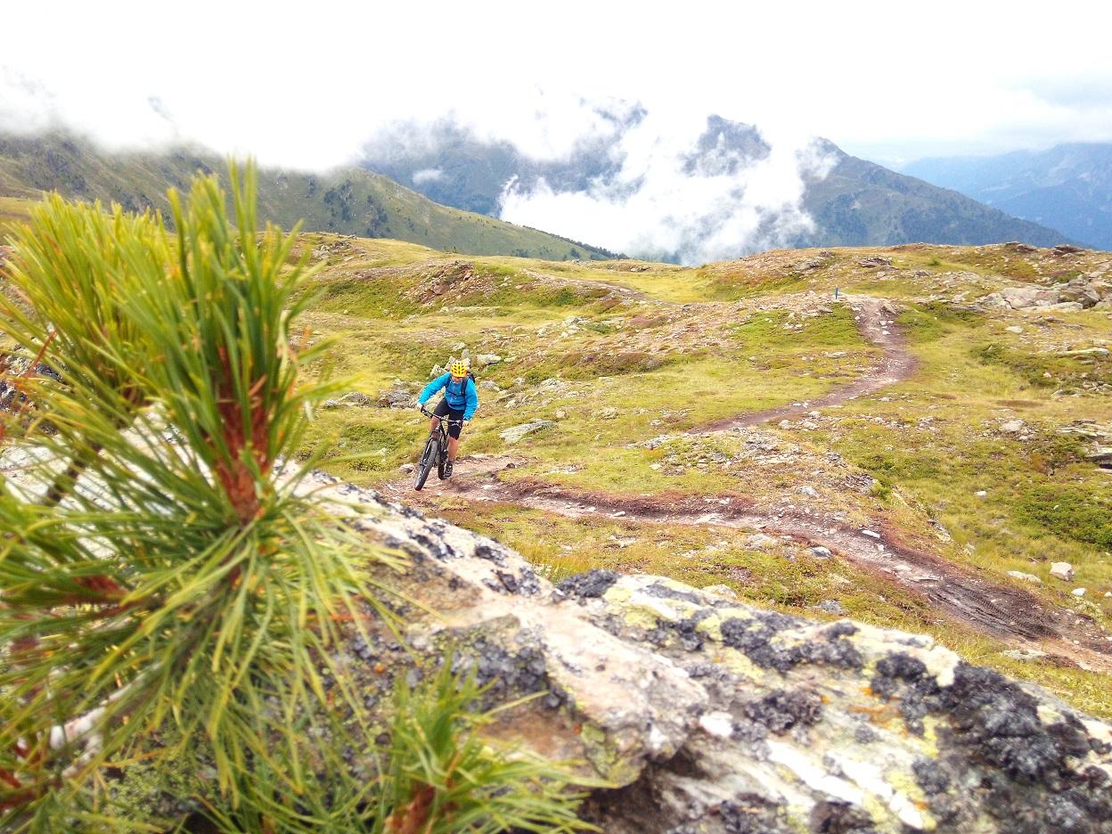 Happy Mountainbikers im Basecamp Tirol