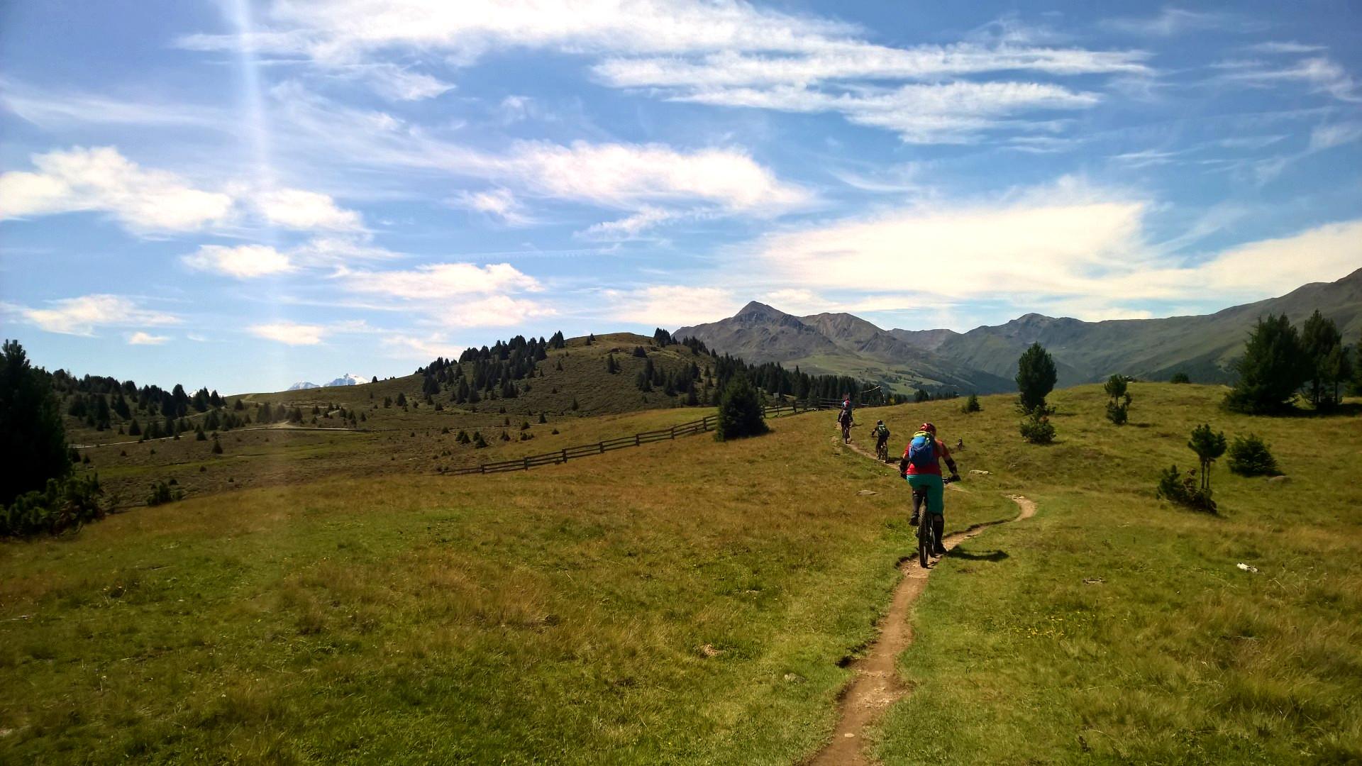 Go Ride MTB in PaznaunMountainbike Tour Alpen, Berge, Basecamp Tirol